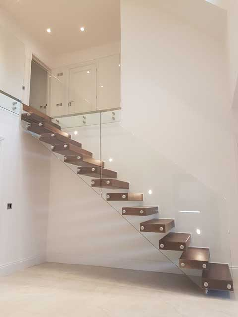 Staircase balustrade example from Sep 17 picture 4
